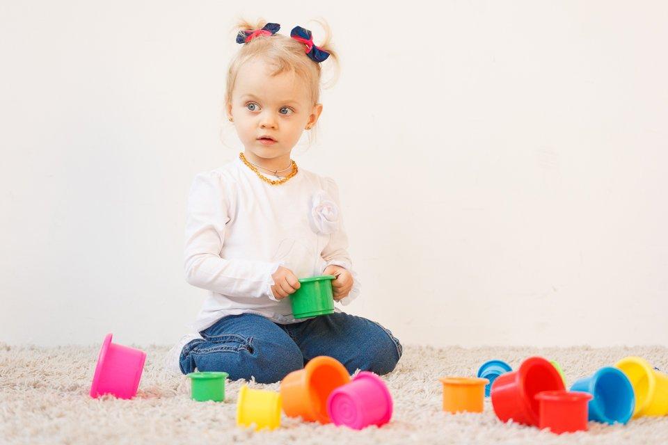 Профессиональная детская фотосъемка в Минске - фото Маши с игрушками