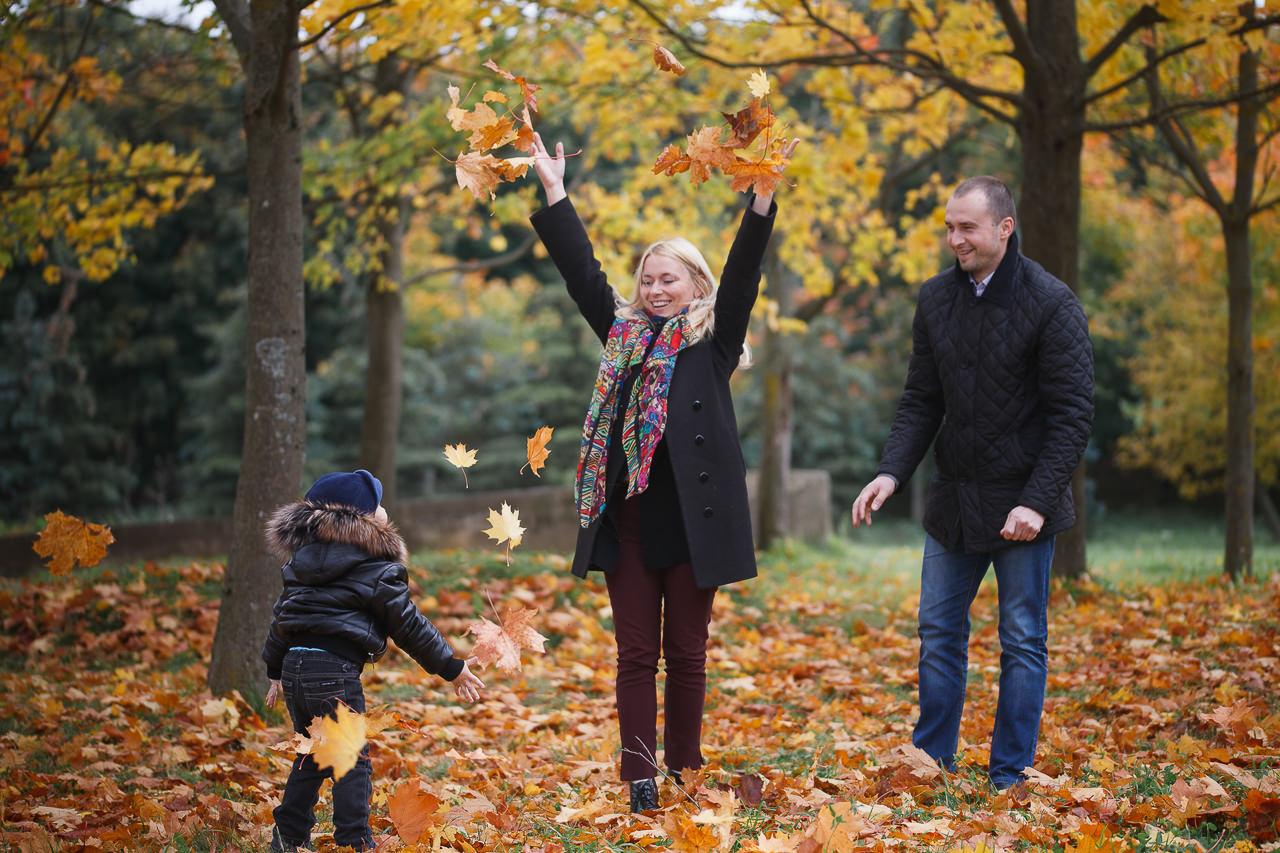 Фотосъемка для семьи в осеннем парке