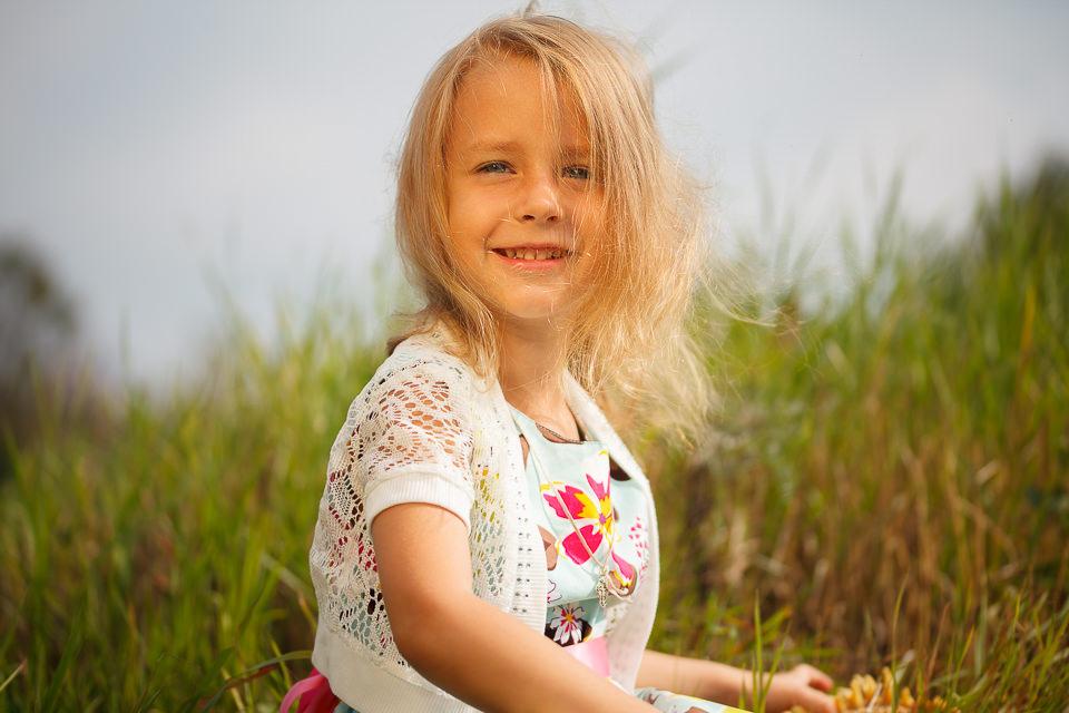 Летняя фотосессия для ребенка в парке