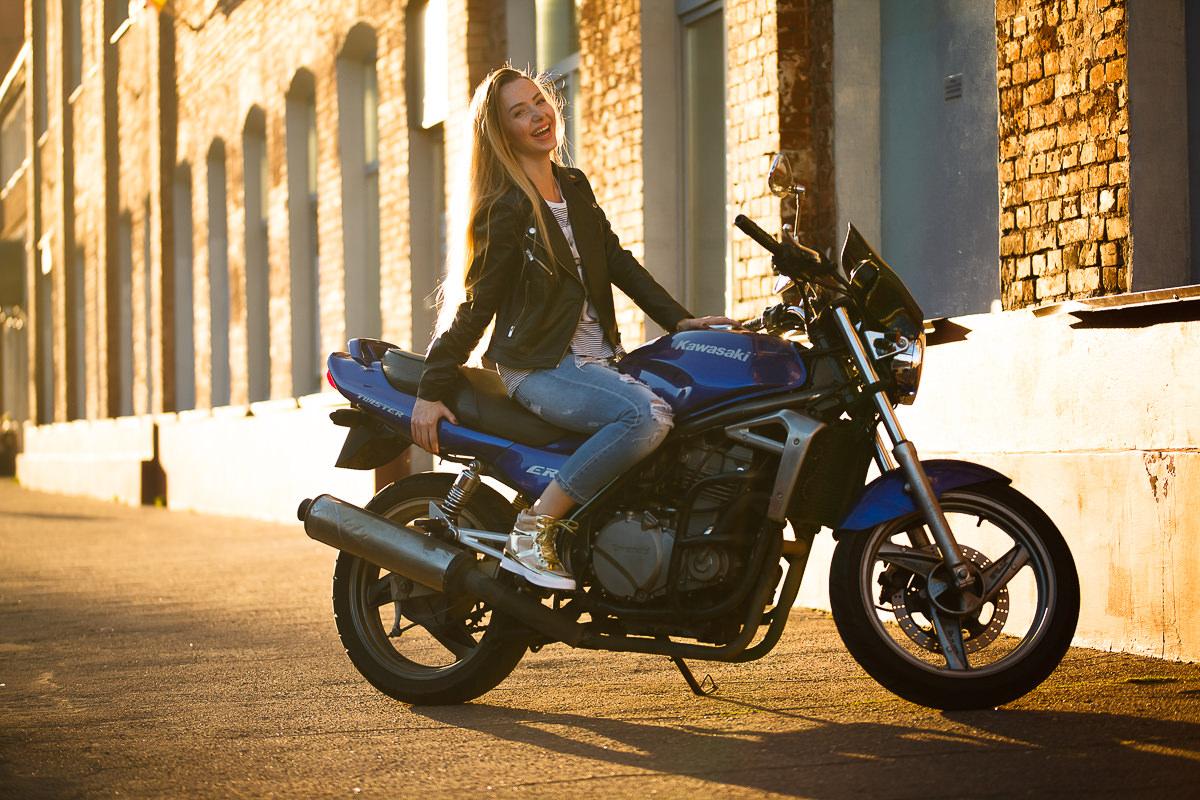 Съемка девушки с мотоциклом в Минске