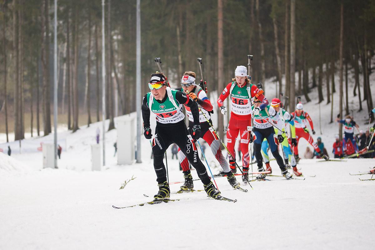 Фотография биатлонистов на соревнованиях